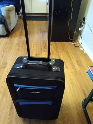Suitcase for Sale in Davenport, FL