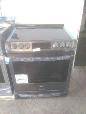 Lg stove electric stainless steel home and kitchen appliances for Sale in San Diego, CA