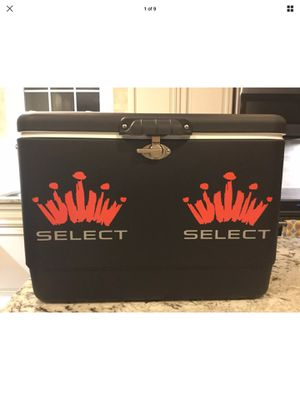 "TRUE TAILGATER ""MUST HAVE"" Rare Brand New Budweiser Select Steel Belted Coleman cooler 54 quarts. for Sale in Springfield, VA"