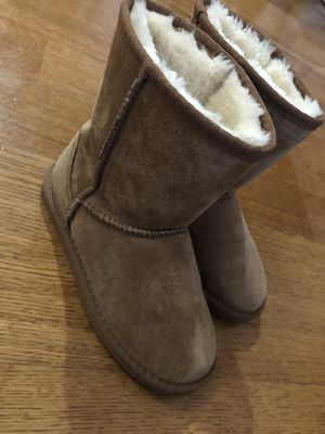 Light brown girl boots for Sale in San Jose, CA