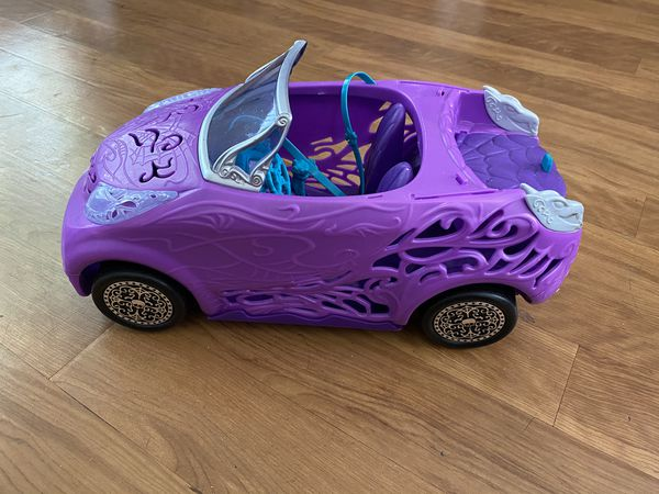 Monster high scaris doll convertible car