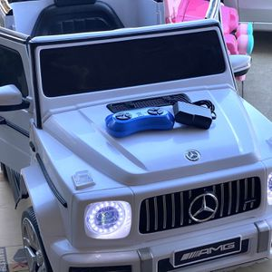 NEW CONDITION Mercedes Benz AMG G-Wagon 12volt REMOTE CONTROL MODEL electric Kid Ride On Car Power Wheels for Sale in Fullerton, CA