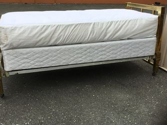 Antique Brass Full Sized Bed - Delivery Available for Sale in Tacoma,  WA