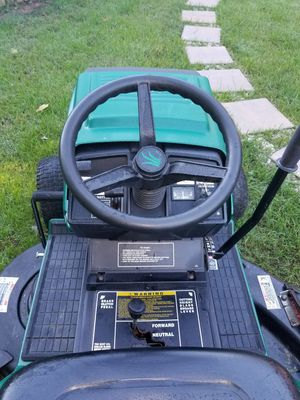 Riding Lawn Mower Briggs & Stratton for Sale in Rockville, MD