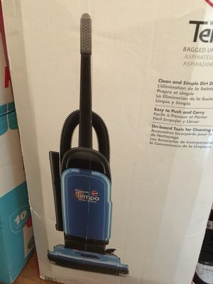 4 Black and decker hand held dust buster, Bissell 3 in 1 vacuum, Bissell poweforce compact vacuum, Bissell Widepath Tempo. for Sale in Dublin, GA
