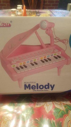 Melody Little Musician Piano for Sale in Fresno, CA