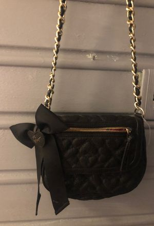 Betsey Johnson black cross body purse for Sale in Inwood, WV