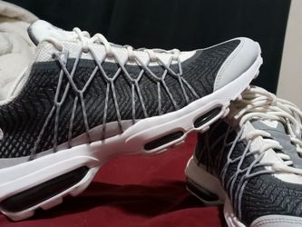 Air Max Sz 9.5 for Sale in Indianapolis,  IN