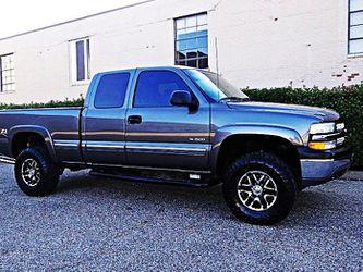 ֆ12OO 4WD Chevrolet SIlverado 4WD for Sale in Escondido,  CA
