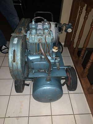Vintage rare Quincy model 210 1hp air compressors for Sale in Saint Charles, MO