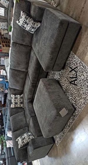¿ Ashley oversized sectional couch free Delivery for Sale in Austin, TX