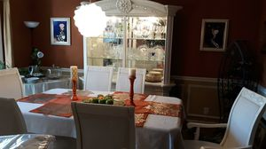 ITALIAN DINING ROOM SET + GLASSWARE for Sale in Smyrna, TN