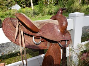 """15"""" western saddle, 6"""" gullet for Sale in Maple Valley, WA"""