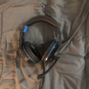 Gaming Headphones Xbox/PlayStation for Sale in Moreno Valley, CA