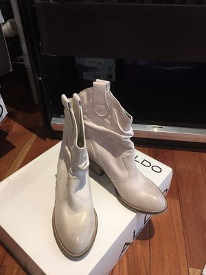 Size 7 new Aldo ankle boots for Sale in Sterling, VA