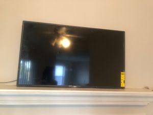 Vizio smart tv with Chromecast 43 inch for Sale in Atlanta, GA