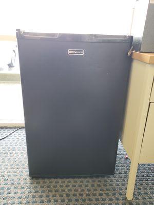 Emerson brand mini fridge for Sale in Pleasanton, CA