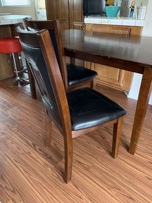 Kitchen table and 4 chairs for Sale in Los Angeles, CA