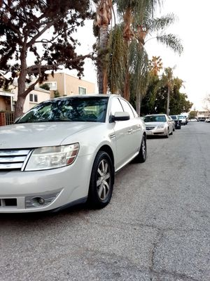 Ford Taurus 2008 clean title automatic for Sale in Culver City, CA