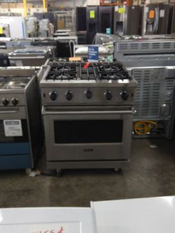 Viking Gas Range And Oven for Sale in Chino Hills,  CA