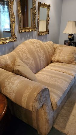 Couch and love seat one cushion on couch is showing wear But you can always just turn it over for Sale in Murrysville,  PA