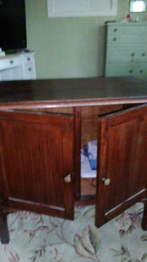 Small antique cabinet for Sale in Fresno, CA
