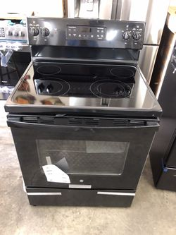 New GE Smooth Surface Stove for Sale in Greenville, SC