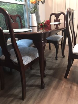 Dining room table and chairs for Sale in Casselberry, FL
