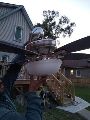 Hunter ceiling fan for Sale in Bellwood, IL