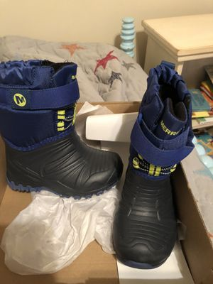 Toddler Merrell Snow boots size 8 for Sale in Garner, NC