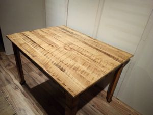 2-ho20 4ft Table oak top for Sale in Pine Grove, PA