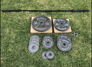 BRAND NEW!!! Olympic Weight and Barbell Set (300lbs) for Sale in Chino Hills, CA