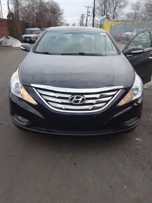 2013 Hyundai Sonata very clean no issues at all for Sale in Columbus, OH