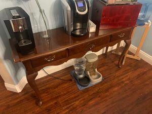 Brown coffee table for Sale in Las Vegas, NV