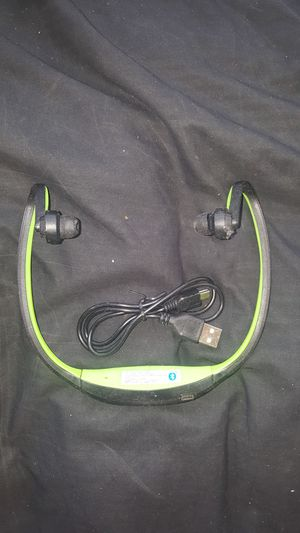 Wireless headphone blue tooth for Sale in Chicago, IL