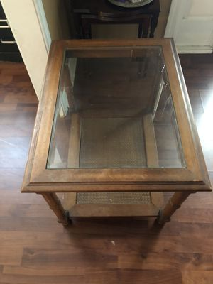 Elegant end/side table for Sale in Columbia, SC
