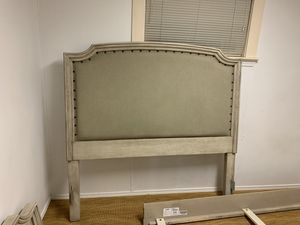 Queen size Bed frame for Sale in Ellensburg, WA