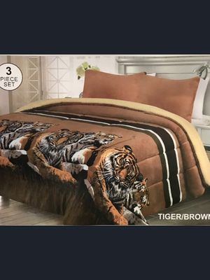 Brand New Modern Tiger Design Beige Super Soft Thick Warm Borrego Sherpa 3 Piece Bed Blanket Set King Size for Sale in Los Angeles, CA