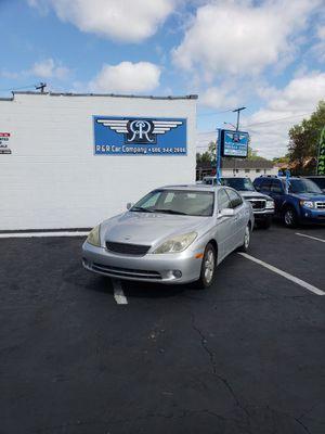 2005 Lexus ES 330 SUN ROOF LEATHER INTERIOR for Sale in Clinton Township, MI