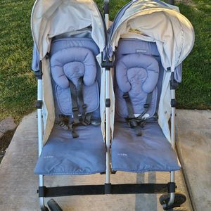 Uppababy Double Umbrella Stroller (Reclinable) for Sale in Moreno Valley, CA