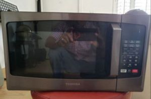 Toshiba Microwave Solo Oven for Sale in Phoenix, AZ