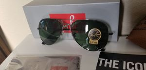 Rayban sunglasses aviator green lens black frame for Sale in Phoenix, AZ