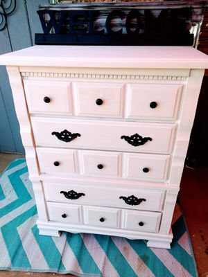 "White 5/drawer dresser,""29st & Thomas Rd"" for Sale in Phoenix, AZ"