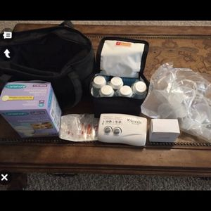 Ameda Finesse Breat Pump Kit for Sale in Charlotte, NC
