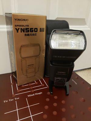 Yongnuo 560 Speedlite for Canon for Sale in Mill Creek, WA