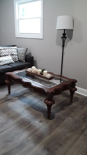 Coffee table for Sale in Freehold, NJ