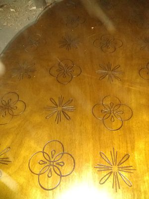 Antique coffee table mint condition for Sale in Cleveland, OH