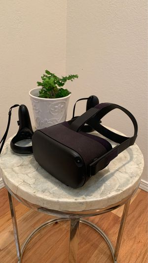 Oculus Quest by Facebook - Like New for Sale in Morro Bay, CA