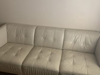 """Cream Leather Sofa 82 Inches Long, 28""""tall, 36"""" Deep for Sale in Scottsdale,  AZ"""