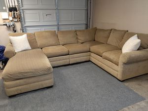 Gorgeous Bassett furniture sectional couch for Sale in Renton, WA